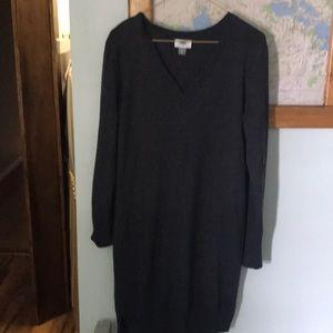 Women's sweater dress.  Old Navy.  M